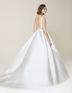Jesus Peiro 913 wedding dress at Cicily Bridal
