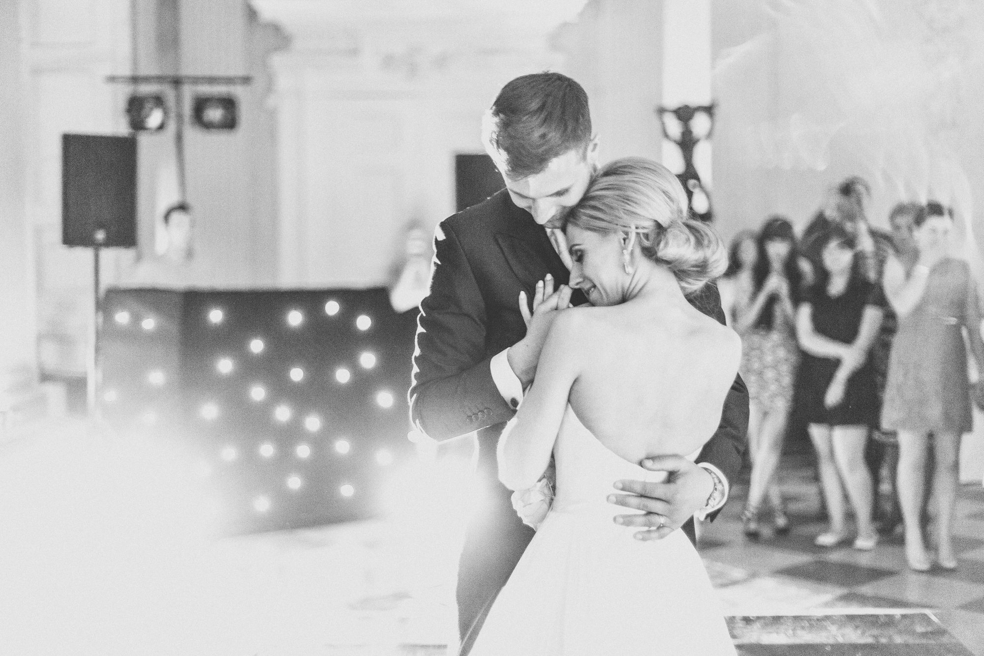 Real Bride Naomi wears Fleur by Naomi Neoh - First Dance