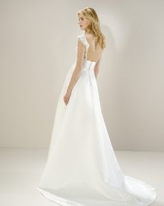 Jesus Peiro 8070 at Cicily Bridal