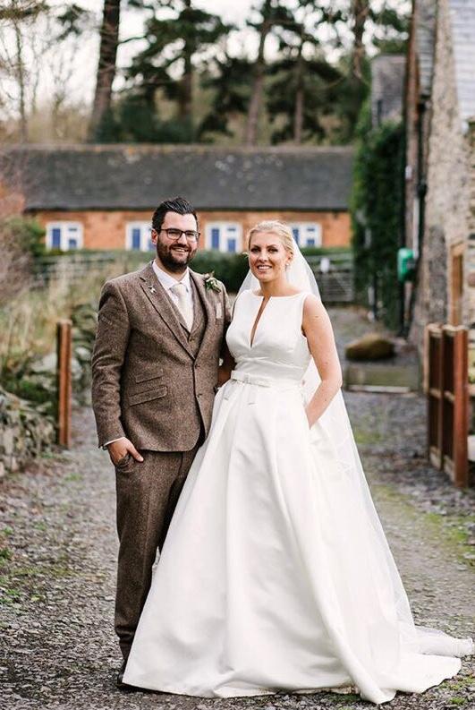Real Bride wears Jesus Peiro 7014