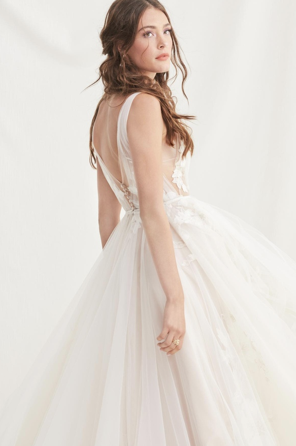 willowby by watters Lainie wedding dress at Cicily Bridal