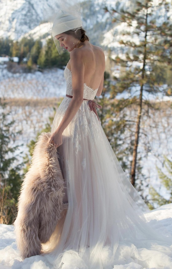 Willowby by Watters Geranium at Cicily Bridal